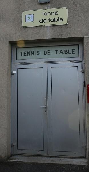 la porte d'entrée rue Voltaire